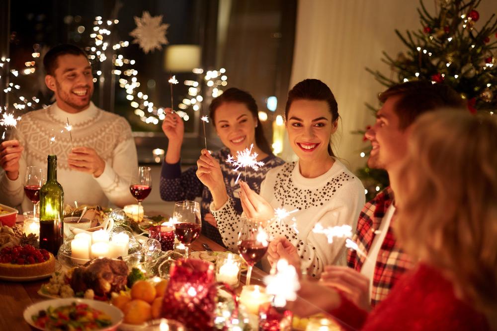 Новогодние конкурсы для всей семьи за столом