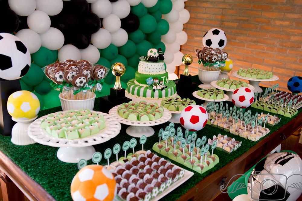 Как украсить дом на вечеринку в стиле Футбол