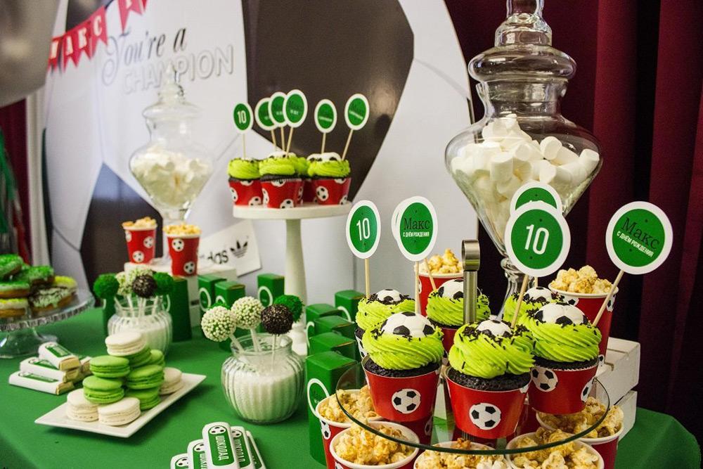 Оформление праздничного стола для футбольной вечеринки