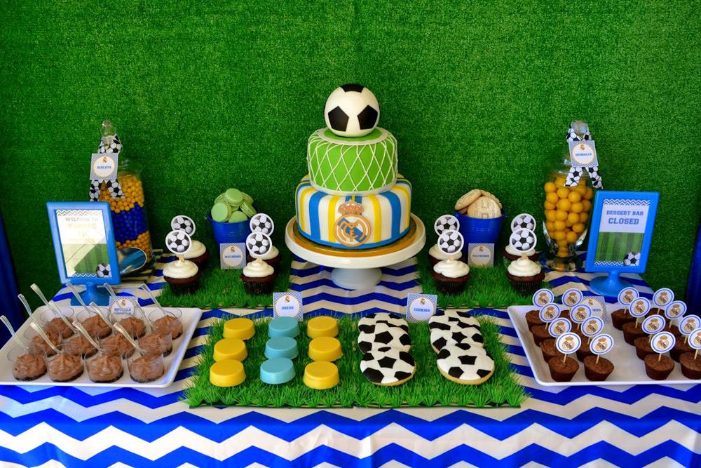 Кенди-бар на День рождения в стиле Футбол