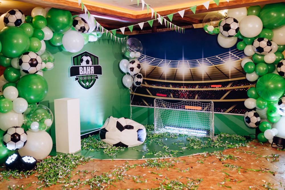 Фотозона на вечеринку в футбольном стиле